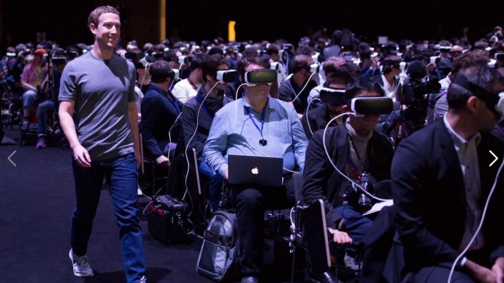 Le fondateur de Facebook, Mark Zuckerberg, au salon Mobile World Congress à Barcelone, dimanche 21 février 2016. Facebook/Mark Zuckerberg