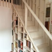 bibliotheque-escalier-place-perdue